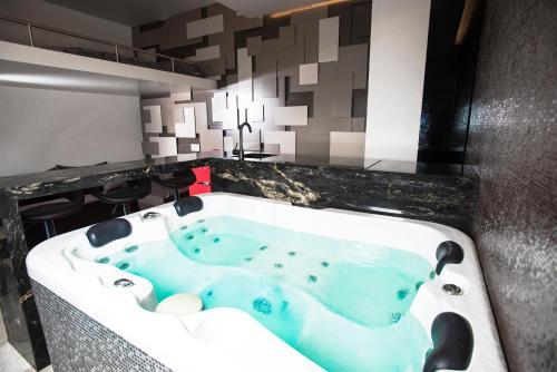 Jacuzzi Interior.Secret Lounge Cozy Studio With Sauna And Jacuzzi